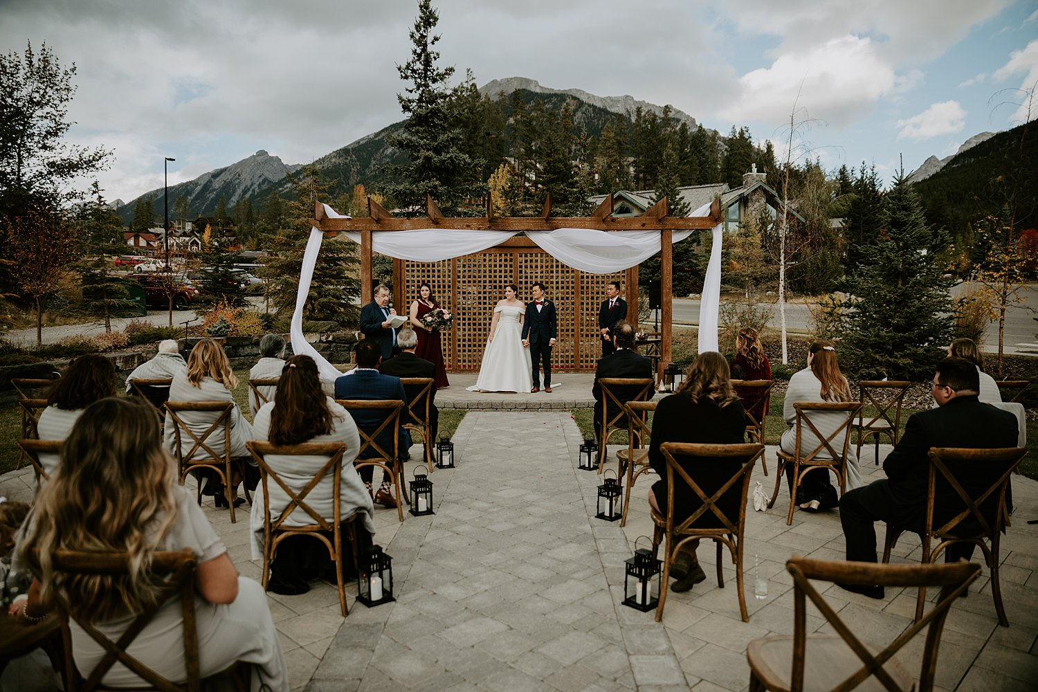 Intimate wedding in canmore